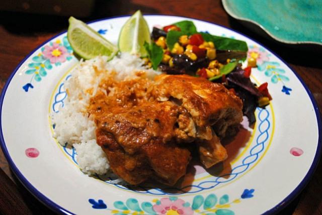 POLLO EN MOLE DE CACAHUATE Chicken in Peanut Mole Sauce