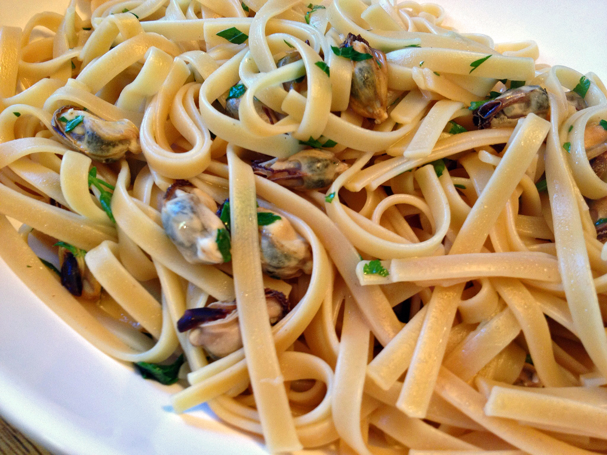 CELEBRATE WEDNESDAY WITH PASTA AND MUSSELS IN SAFFRON ...
