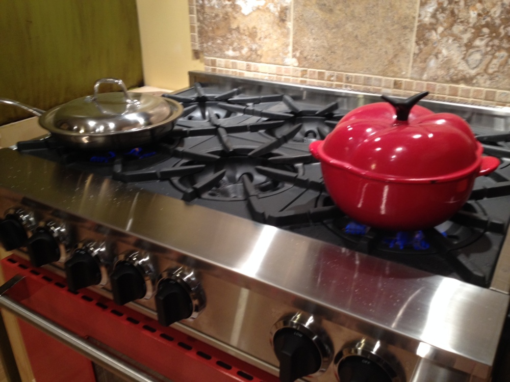 BEWITCHING KITCHEN ON FIRE (2/3)