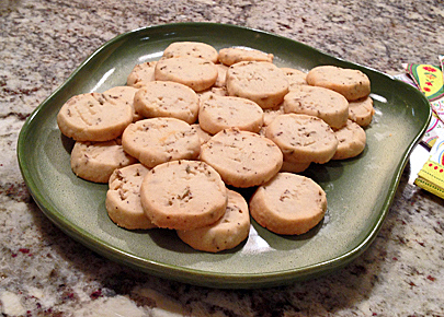 Cheddar Fennel Crackers