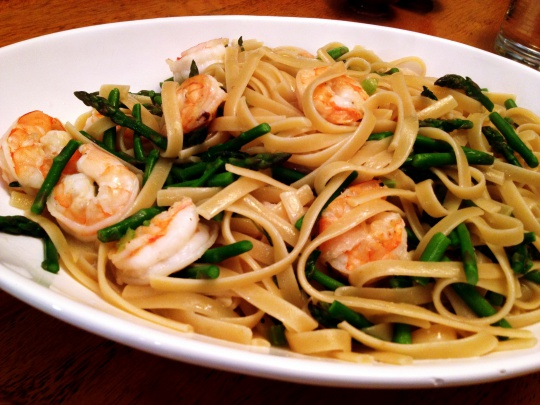 Pasta with Shrimp and Asparagus in Coconut Sauce