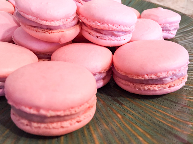Raspberry Macarons2